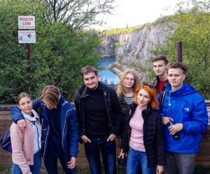 Поход чешских студентов в замок Карлштейн и каньоны